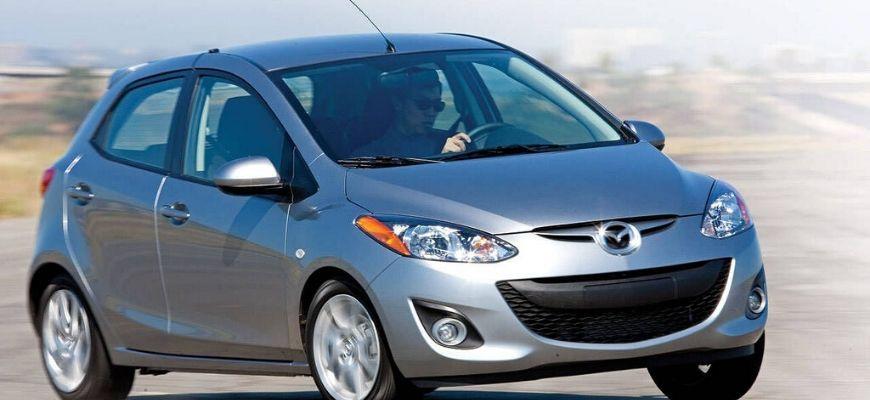 хэтчбек Mazda 2
